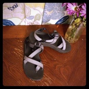 Chacos Gray/Grey with toe strap